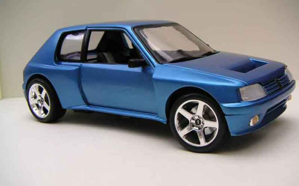 Peugeot 205 Turbo 16 1/18 Solido bleue T16 miniature