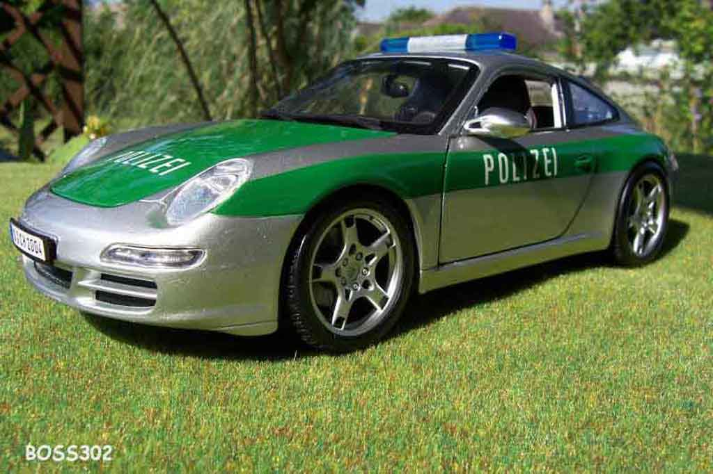 Porsche 997 Carrera 1/18 Maisto Carrera polizei / police miniature