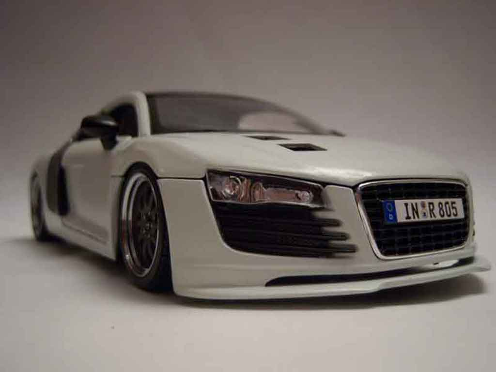 Audi R8 4.2. FSI 1/18 Maisto tuning carb&white jantes gmp miniatura
