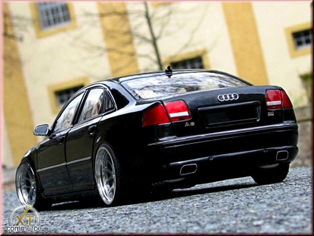 Audi A8 1/18 Kyosho noire jantes 20 pouces miniature
