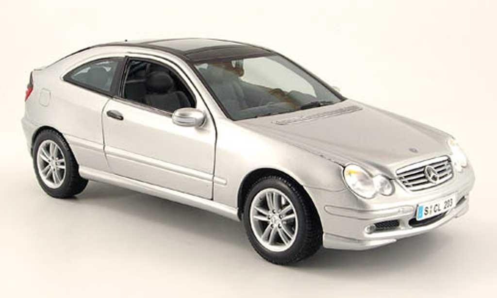Mercedes Classe C 1/18 Maisto grise sportcoupe miniature