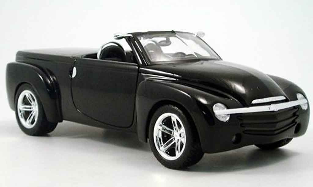 Chevrolet SSR 1/18 Maisto concept noire 2000