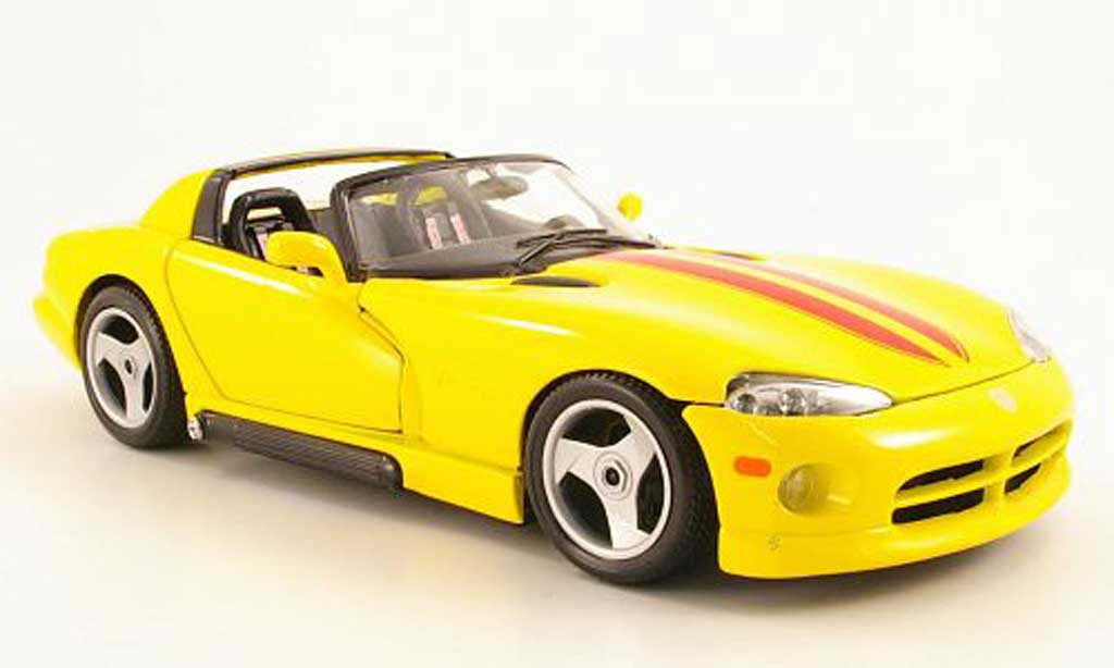 Dodge Viper RT 10 1/18 Burago yellow/red 1993 diecast