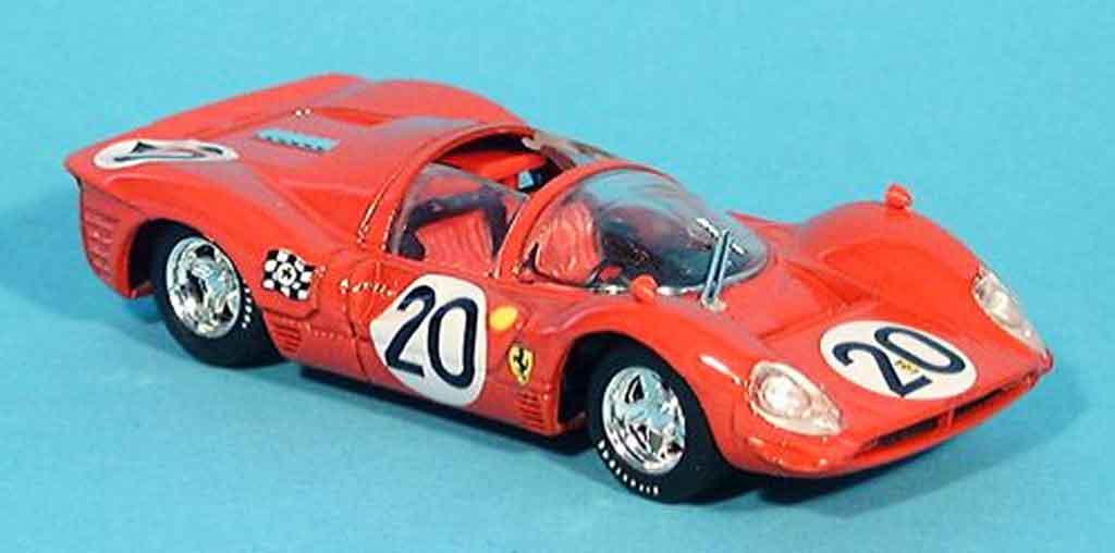 Ferrari 330 P4 1/43 Brumm spyder le mans chris amon 1967 miniature