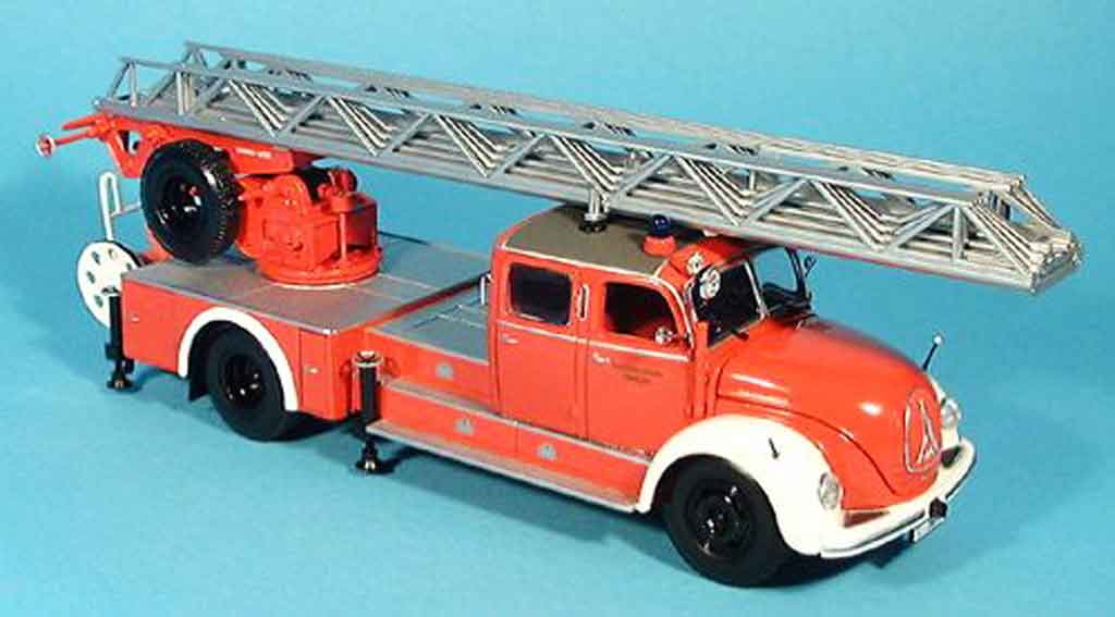 Magirus DL 30 1/43 Minichamps S 6500 pompier Leiterwagen rouge blanche 1955 miniature