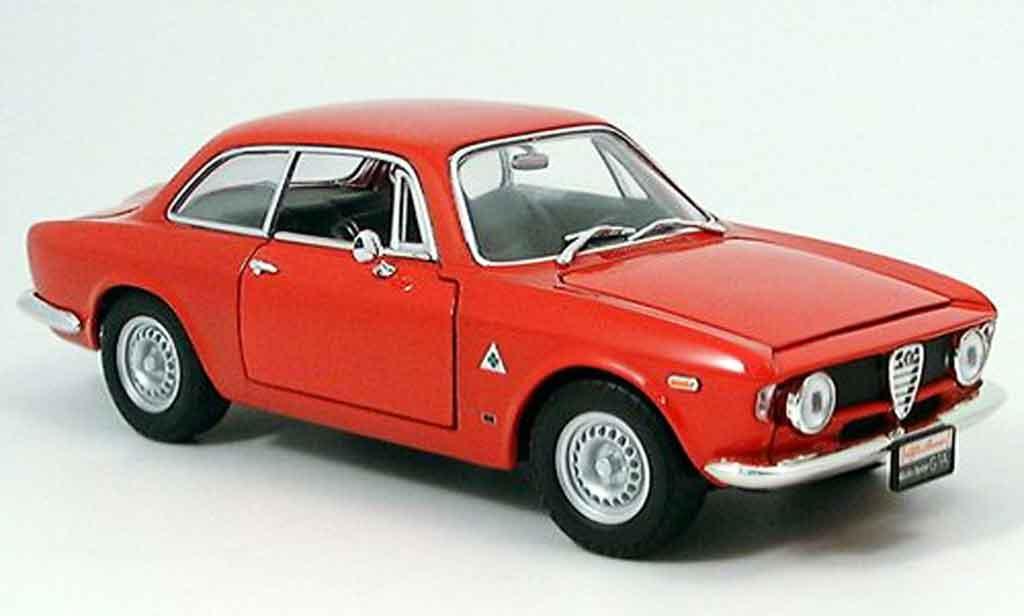 Alfa Romeo Giulia 1300 GTA 1/18 Yat Ming sprint red 1963 diecast