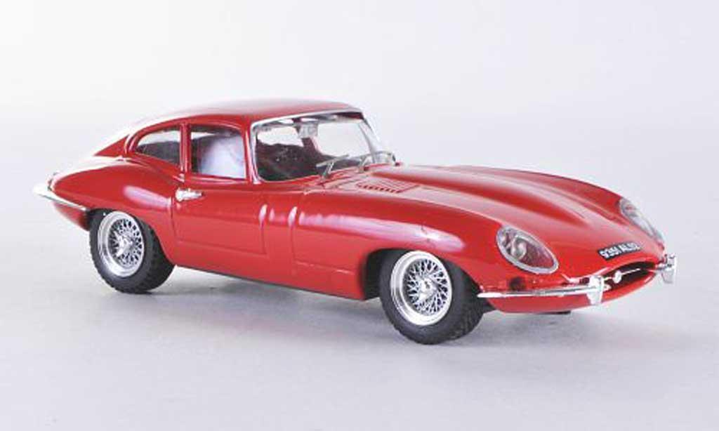 Jaguar E-Type 1/43 Best E Coupe roja miniatura