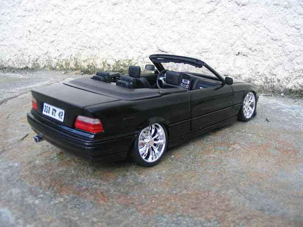 Bmw 325 E36 1/18 Maisto cabriolet noire jantes chromees miniature