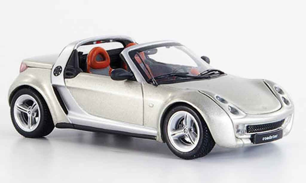 Smart Roadster coupe 1/43 Minichamps coupe champagne 2003 miniature