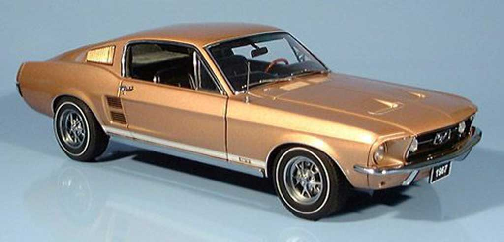 Ford Mustang 1967 1/18 Autoart gt390 or modellautos