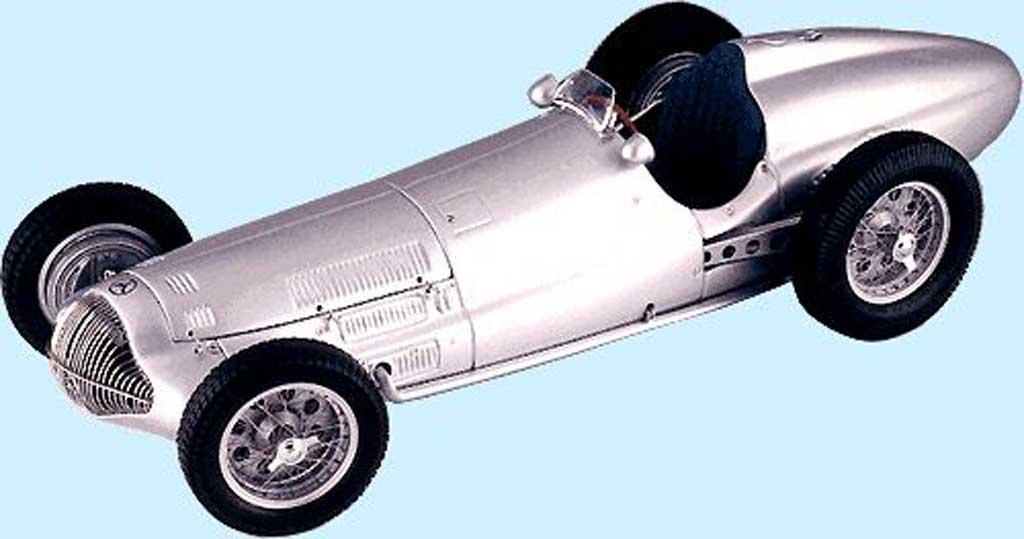 Mercedes W 154 1/18 CMC dreifacher sieger in frankreich 1938 miniature