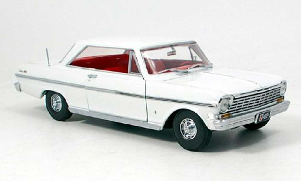 Chevrolet Nova 1963 1/18 Sun Star white diecast