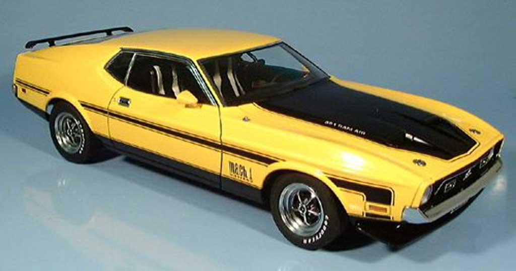 Ford Mustang 1971 1/18 Autoart mach i fastback yellow diecast