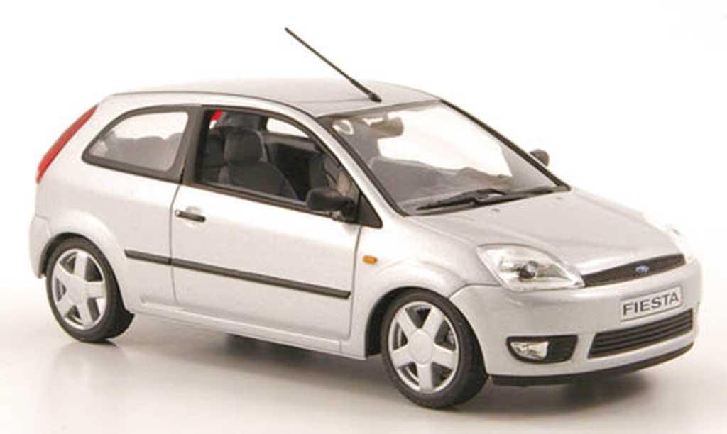 Ford Fiesta 2002 1/43 Minichamps grise 3-portes miniature