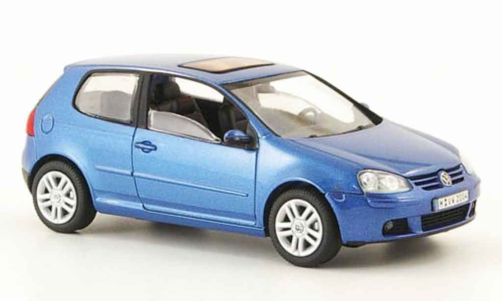 Volkswagen Golf V 1/43 Schuco bleu 3 portes 2003 miniature