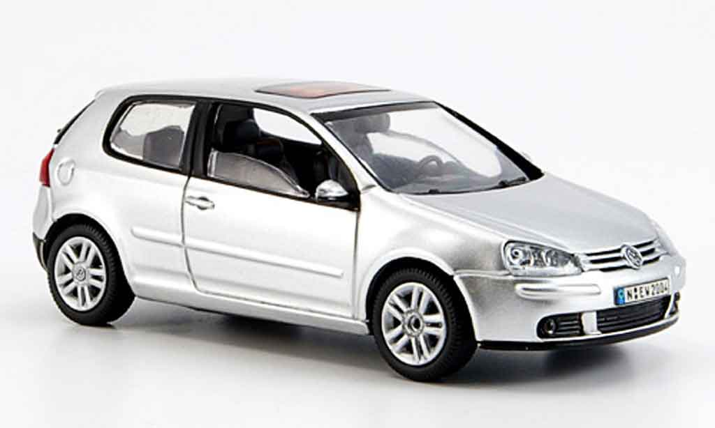 Volkswagen Golf V 1/43 Schuco grey metallisee 2003