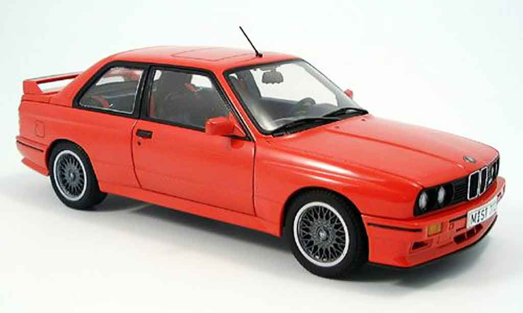 Bmw M3 E30 1/18 Autoart rouge miniature
