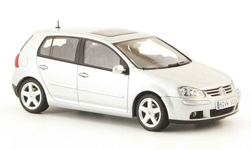 Volkswagen Golf V 1/43 Autoart grise metallisee 5 portes 2003 miniature