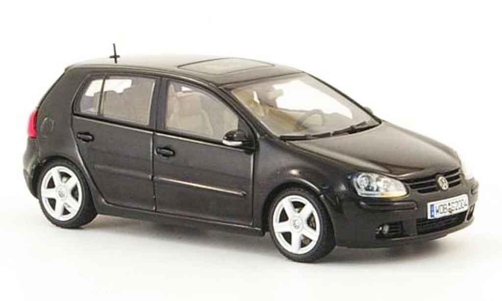 Volkswagen Golf V 1/43 Autoart black 5 portes 2003 diecast