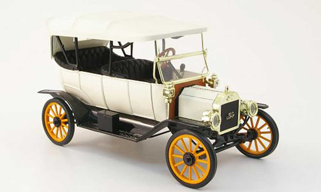 Ford Model T 1/18 Eagle touring blanche/noire 1913 miniature