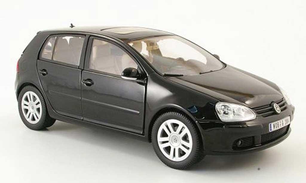Volkswagen Golf V 1/18 Burago noire 2003 5 portes miniature