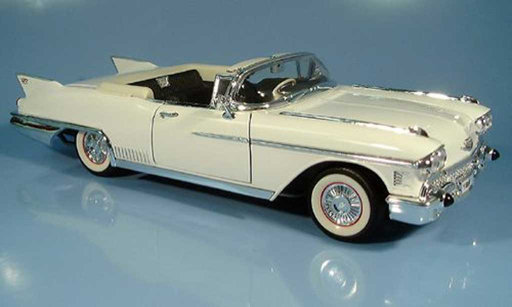 Cadillac Eldorado 1/18 Yat Ming Biarritz blanche 1958 miniature