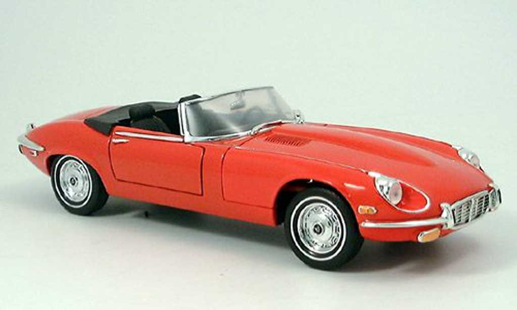 Jaguar E-Type 1971 1/18 Yat Ming 1971 red diecast model cars