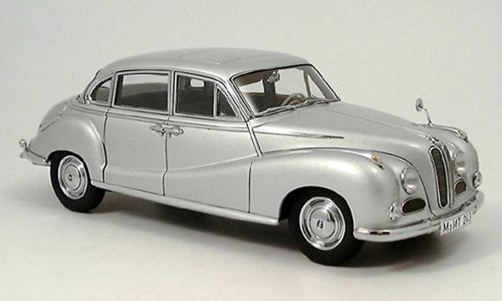 Bmw 502 1/18 Autoart limousine v8 gray white 1962 diecast