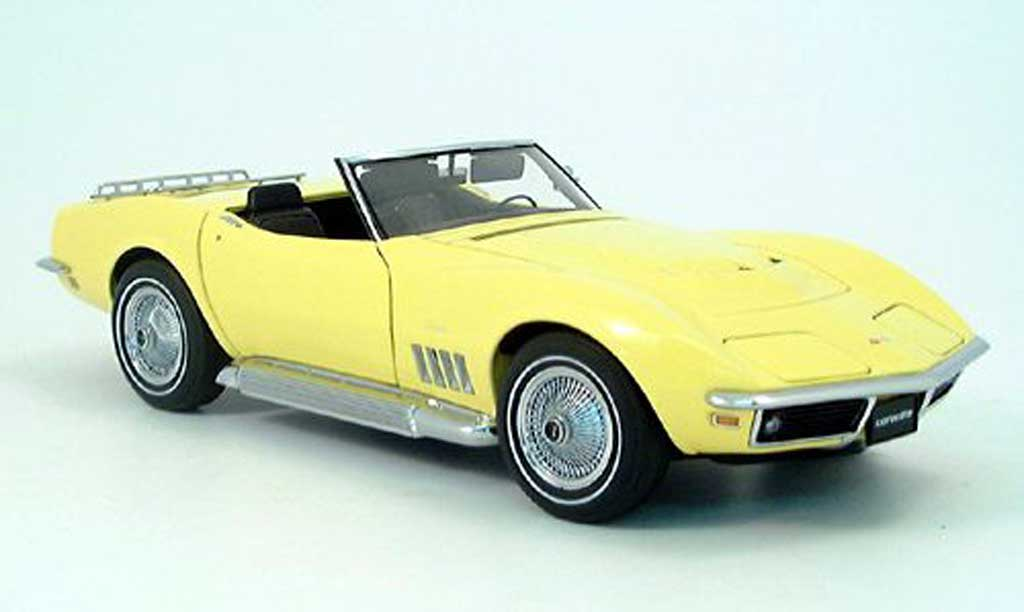 Chevrolet Corvette C3 1/18 Autoart yellow 1969 diecast model cars