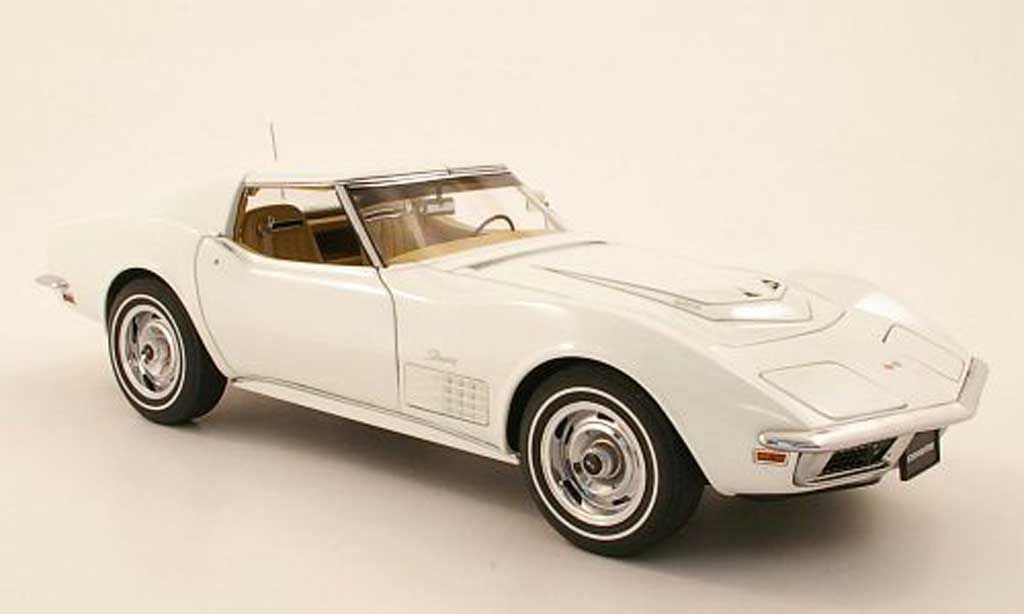 Chevrolet Corvette C3 1/18 Autoart white 1970 diecast model cars
