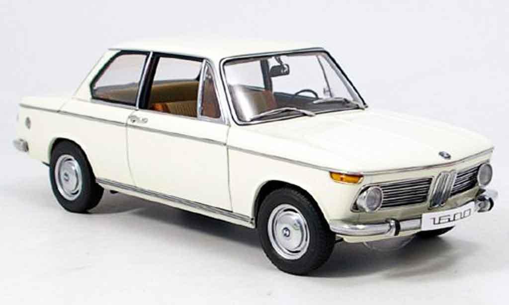 Bmw 1602 1/18 Autoart e10 blanche 1971 miniature