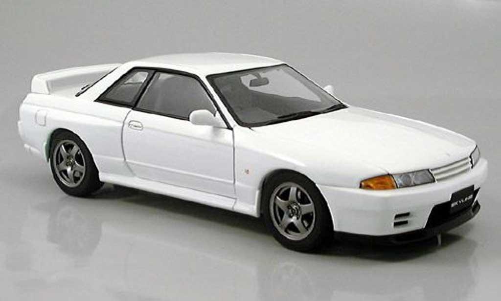 Nissan Skyline R32 1/18 Autoart gt-r blanche 1989 miniature