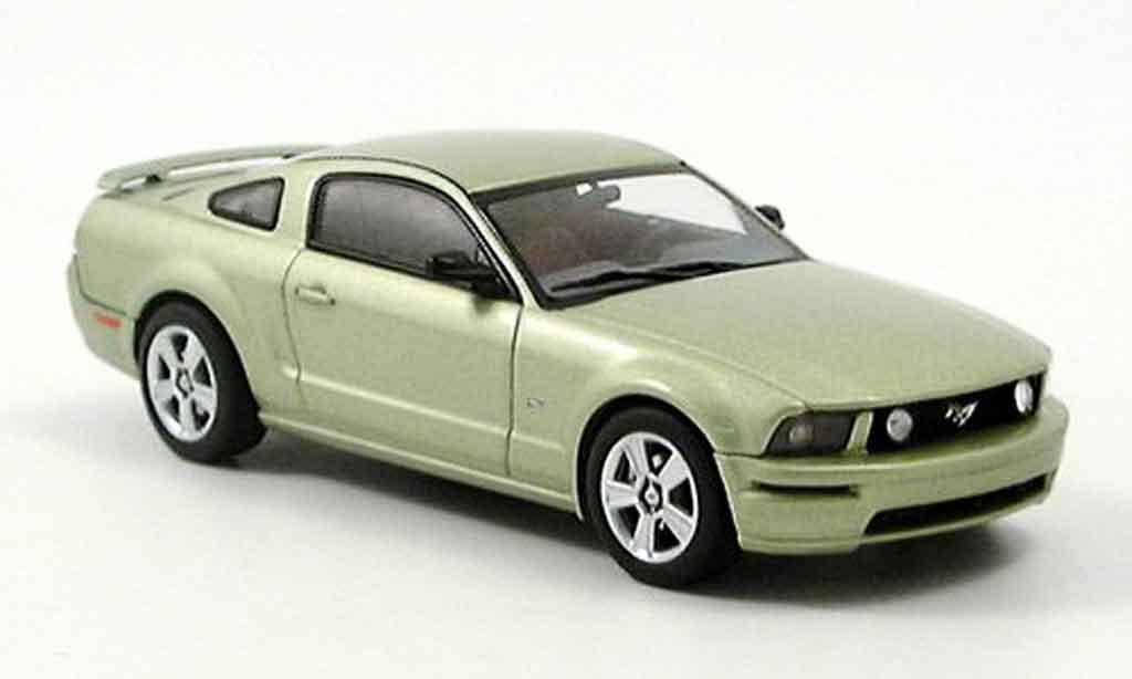 Ford Mustang 2005 1/43 Autoart GT verte 2005 miniature