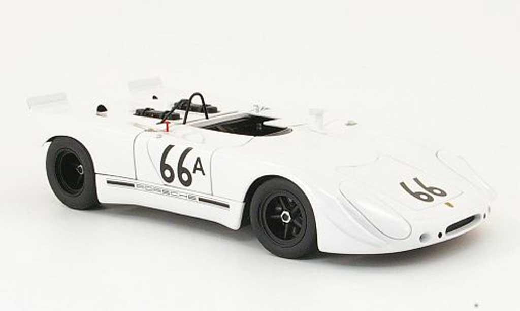 Porsche 908 1970 1/18 Autoart 2 no.66a s.mcque holtville miniature