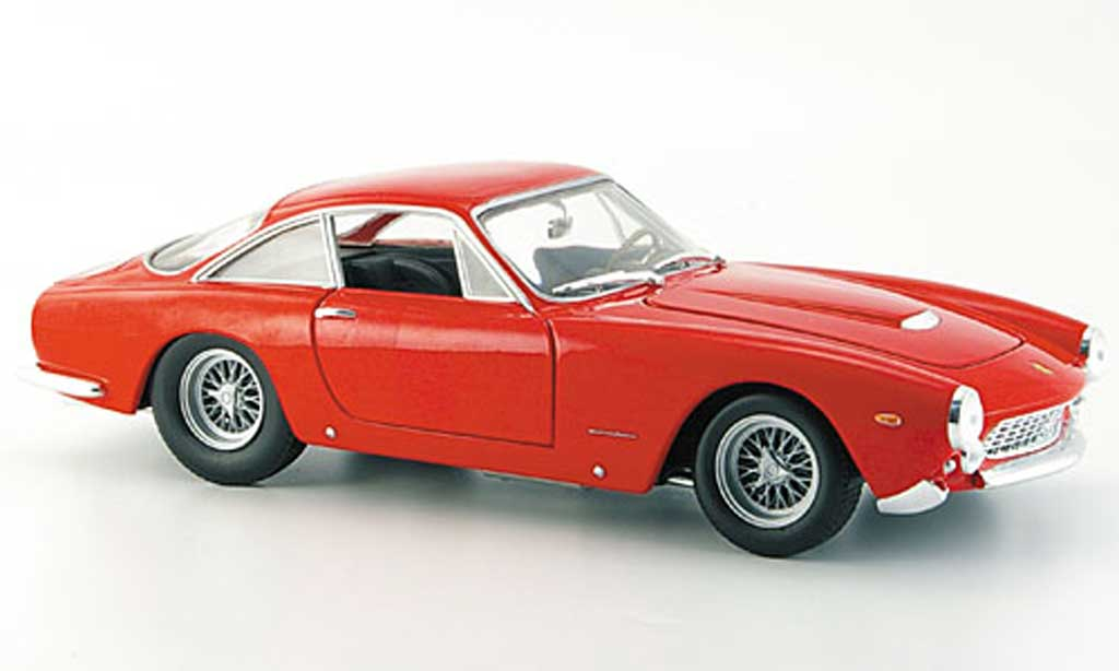 Ferrari 250 GT 1/18 Hot Wheels berlinetta lusso rouge miniature