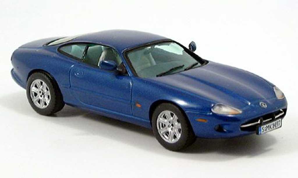 Jaguar XK 8 1/43 Vitesse Coupe met. bleu miniature