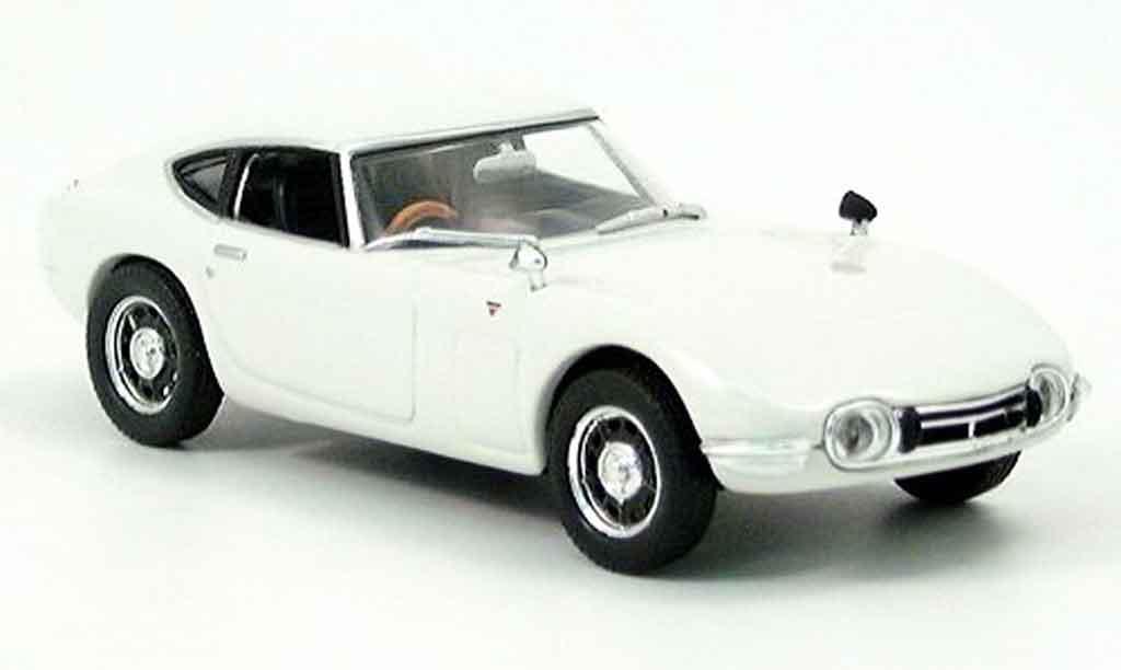 Toyota 2000 GT 1/43 Norev white 1967 diecast