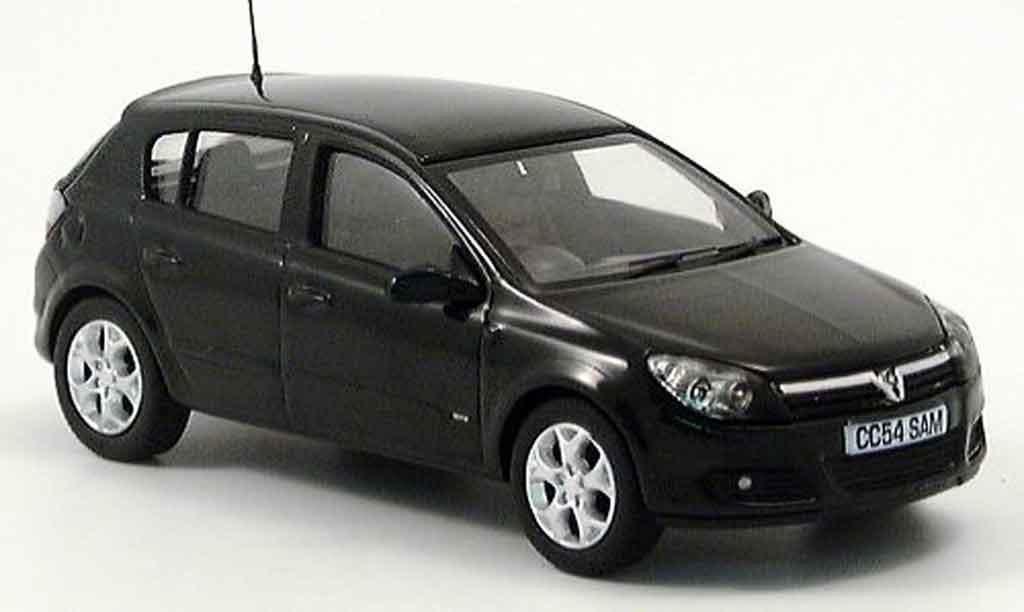 Opel Astra 1/43 Vanguards grun modellino in miniatura