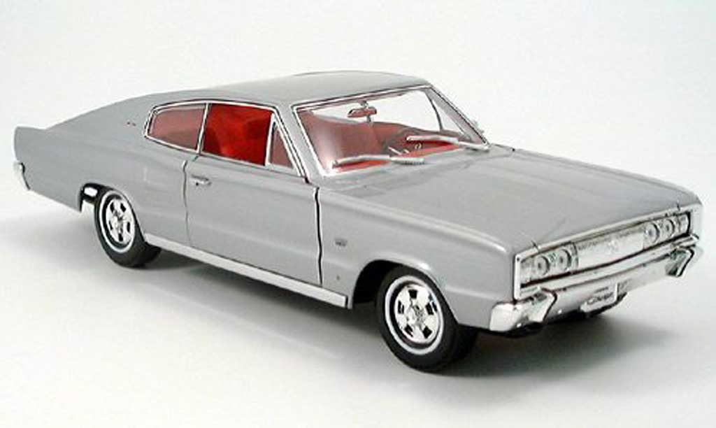 Dodge Charger 1966 1/18 Yat Ming grise miniature
