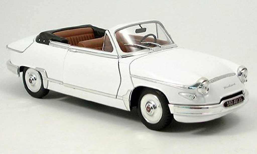 Panhard PL 17 1/18 Solido cabriolet diecast