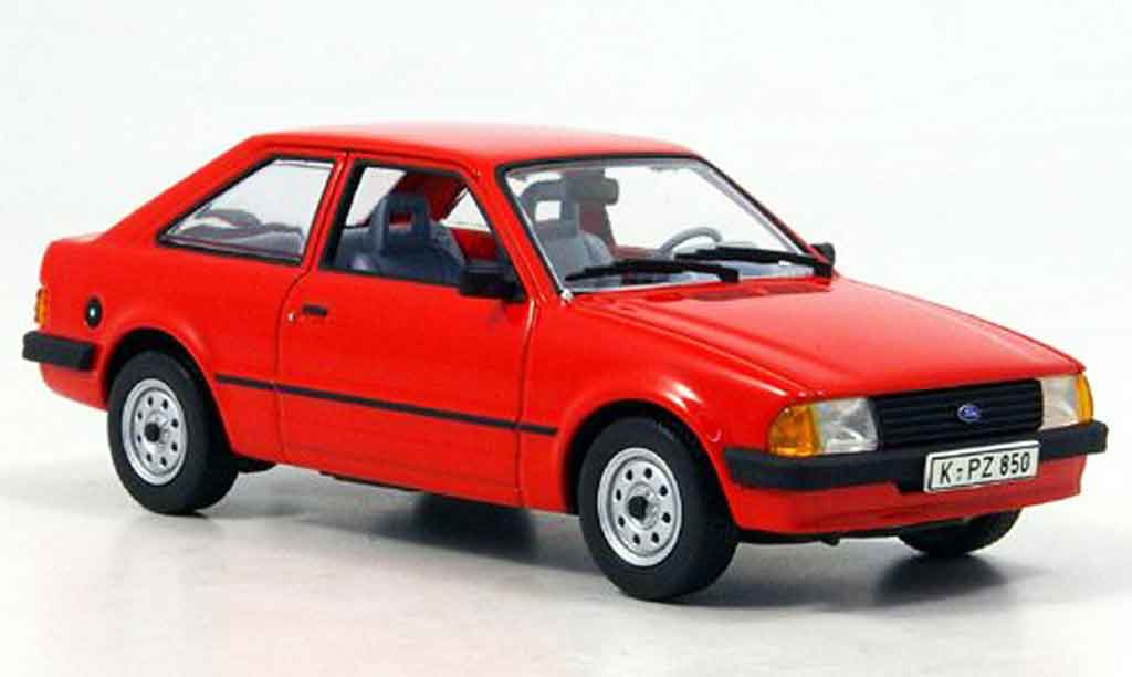 Ford Escort MK3 1/43 Minichamps 3 turer rouge 1981 miniature