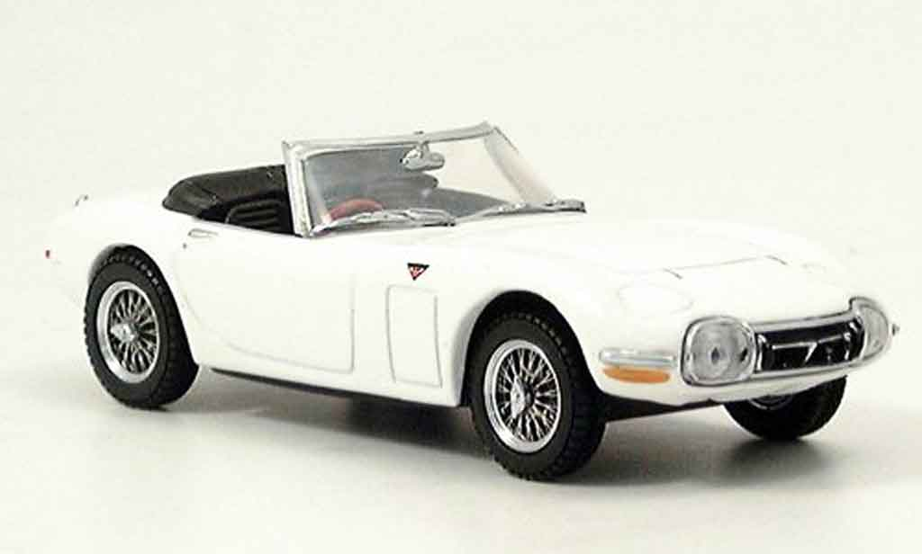Toyota 2000 GT 1/43 Kyosho blanche miniature