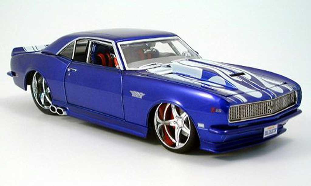 Chevrolet Camaro Z28 1/18 Maisto bleu/blanche tuning 1968 miniature