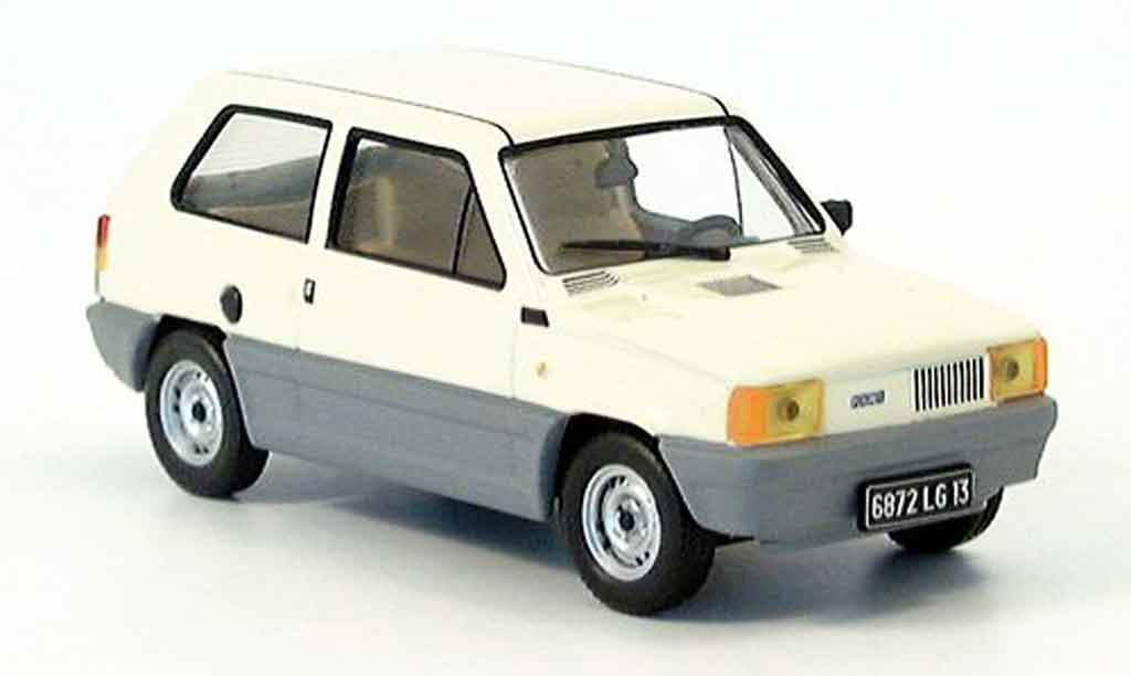 Fiat Panda 1/43 IXO 34 beige 1980 miniature