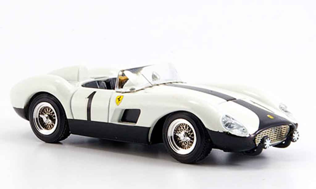 Ferrari 500 TRC 1/43 Art Model gp batista falla 1957 miniature