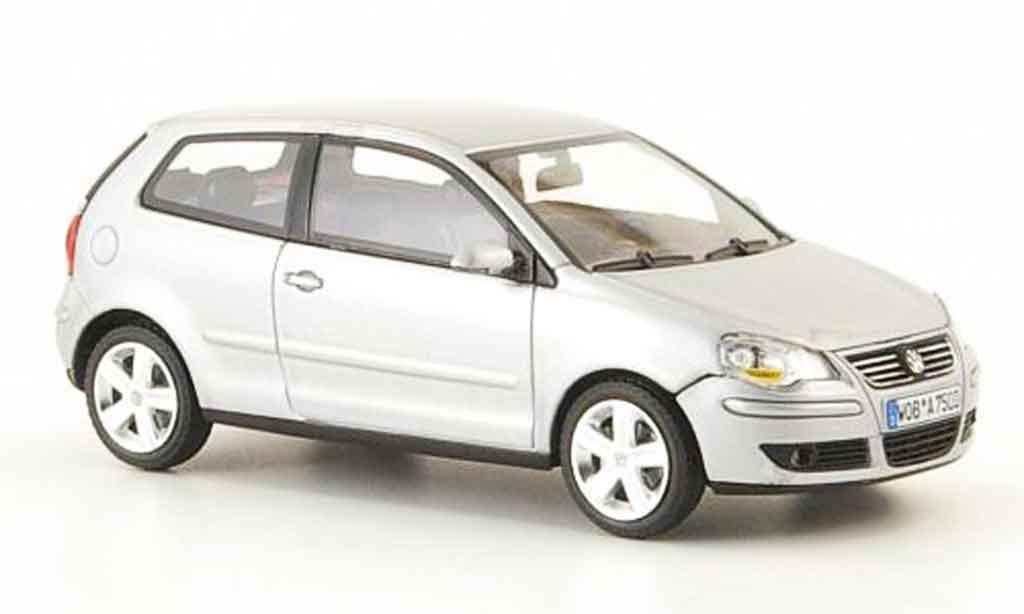 Volkswagen Polo 2005 1/43 Minichamps grise metallisee miniature