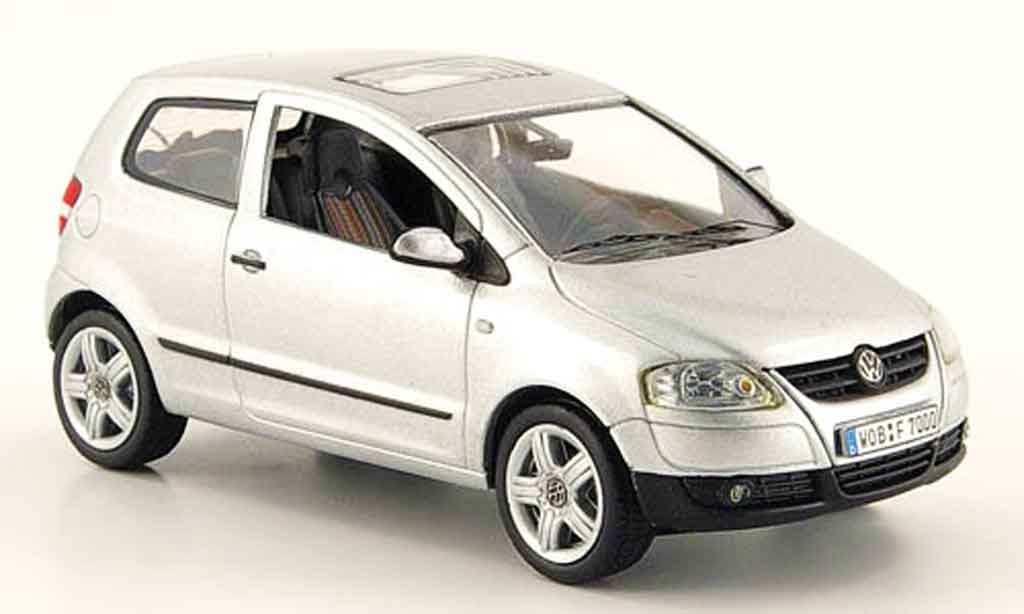 Volkswagen Fox 1/43 Schuco grise metallisee avec lenkung 2005 miniature