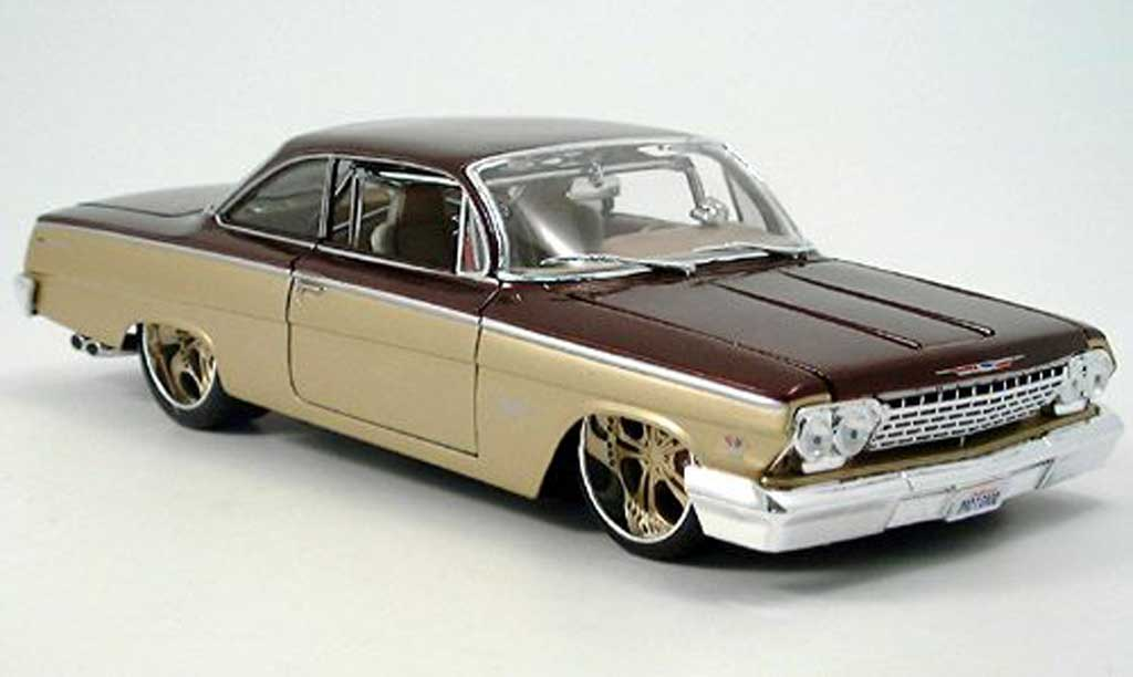 Chevrolet Bel Air 1962 1/18 Maisto or marron,tuning car miniature