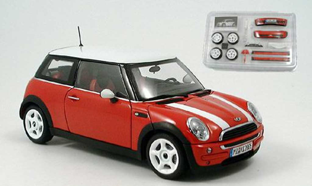 Mini Cooper D 1/18 Kyosho rot avec bandes weisss modellautos