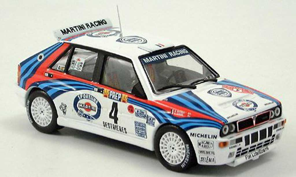 Lancia Delta HF Integrale 1/43 IXO Martini Racing No. 4 1992 miniature